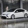 """""""Opel Ampera"""" – įkraunamas iš rozetės"""